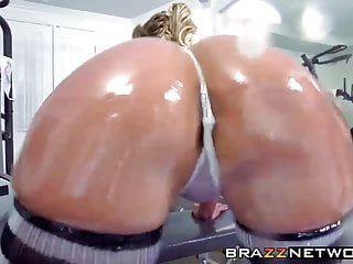 Bubble gazoo phoenix marie acquires all her holes filled properly
